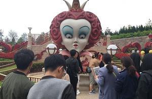 在上海迪斯尼乐园里面有哪些项目是必须要玩的,哭着都要玩