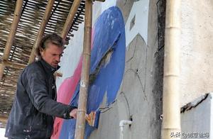巴黎圣母院塔尖公鸡找到了!部分油画毁于一旦!拿起你的画笔战斗