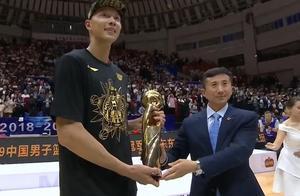 恭喜广东队荣获第九冠,易建联获得FMVP