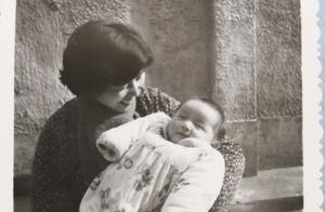 胡歌妈妈去世背后的故事,与癌症抗争30年,2017年曾复发