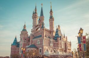 """上海迪士尼为什么如此赚钱,连王健林都""""甘拜下风"""""""