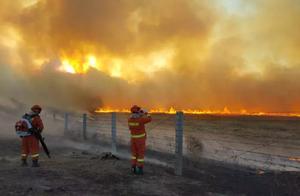 最新!俄罗斯烧入呼伦贝尔境内草原火明火已扑灭
