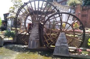 丽江古城的水:洗尽了铅华 淌不尽柔软时光