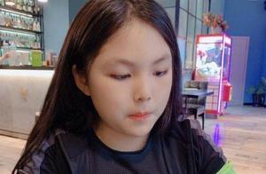 李湘又晒女儿近照,褪去婴儿肥很淑女,富养出来的孩子的确不一般