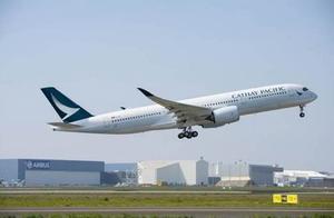 """机长空中失明,载350名乘客""""盲飞""""半小时后,才通知副机长换人"""