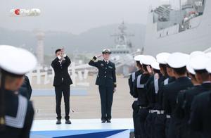 人民海军首位女实习舰长韦慧晓开讲:敌人的弹药不分男女