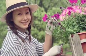 """47岁孙悦近照曝光,她是""""整容""""了吗?笑起来脸看上去好""""僵硬"""""""