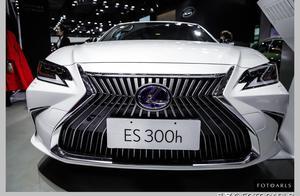 雷克萨斯ES300h实拍图赏,供不应求除了降价,这颜值还是很赞的!