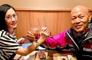 汪明荃与罗家英低调庆祝结婚10周年,喝交杯酒露甜笑很有夫妻相