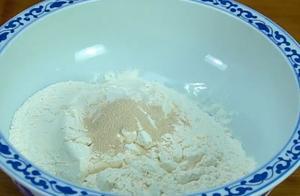 零失败的油条空心做法,掌握这个步骤,炸出来的油条保证酥脆美味