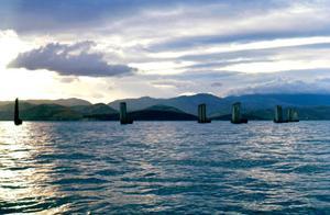 1973年的云南大理的苍山洱海,透明的海面、碧蓝的天