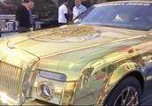 迪拜土豪眼中奔驰宝马奥迪弱爆了,劳斯莱斯也不是豪车,镀了金的才是壕车!