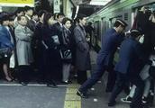 在世界各地的七种无礼行径,但是在日本可以这么做