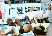杰克逊证明自己,首钢主场击败上海男篮,球队涌现第三大巨头