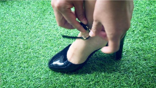 怎么穿高跟鞋脚不痛