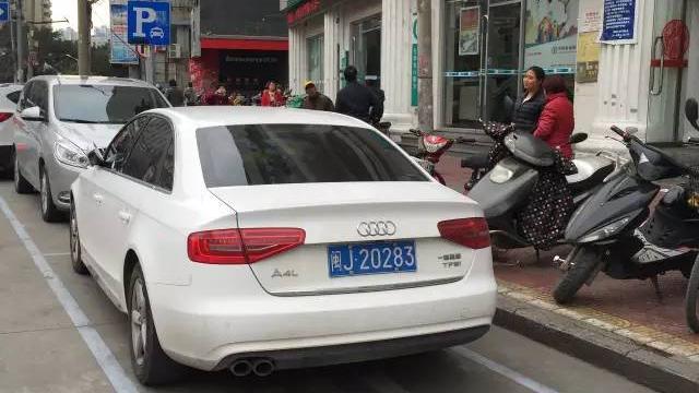 出租車停車上客(即停即走)屬于違章停車么?