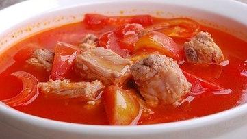 西红柿焖排骨的做法