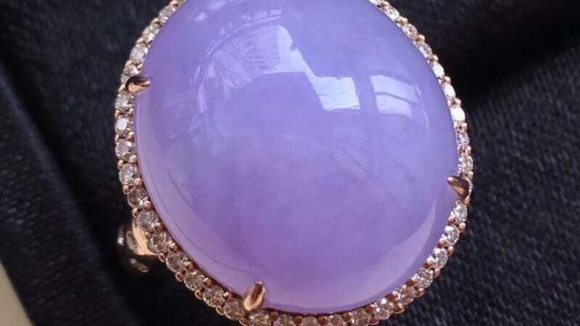 如何选择紫罗兰翡翠?
