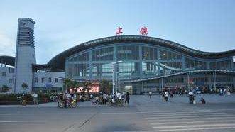 江西上饶与浙江衢州哪个经济更发达?