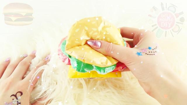 做好的汉堡包如何用汉堡纸包,像麦当劳的效果