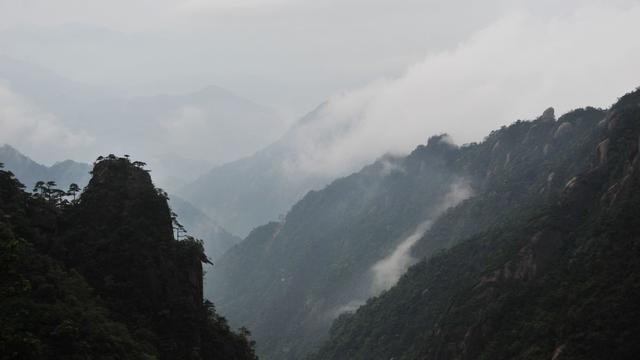形容雾山的诗句