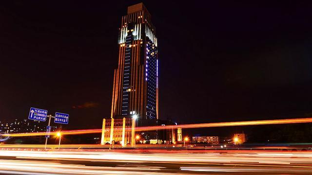 江西省南昌市的支柱产业是什么?