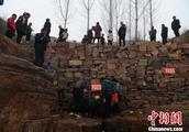 河南汝阳回应崖缝渗不明液体:未发现明显污染源