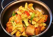 鸡腿烧花菜怎么做好吃