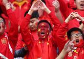 中国足球根本没有问题,最大的问题是球迷不行