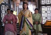 一场主仆私通,生下一位皇后,两位将军,最后一人权柄天下!