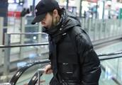 39岁小宋佳上综艺卖花败光好感遭群嘲 机场全副武装躲避镜头