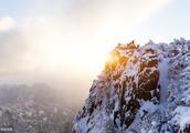 黄山下雪了,这样的美景焉能不赋诗一首
