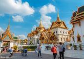 中国男子在泰国酒吧拒绝陪酒服务被打!