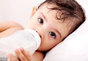 宝宝冲奶粉应注意什么?给宝宝冲奶粉误区?如何避免宝宝打嗝吐奶