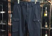 喜欢户外的朋友有戏了,这款加绒休闲裤,口袋多的不行