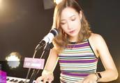 美女翻唱周柏豪《够钟》好听的粤语金曲,值得一听