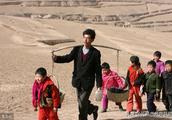 马云给河南这5位乡村教师颁奖!每人奖10万!