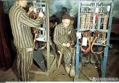 揭秘老照片:1944年,納粹V2火箭秘密軍工廠 ????