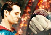 """超人的对手""""荒原狼"""",挥出有力的一拳,却根本碰不到超人身体!"""