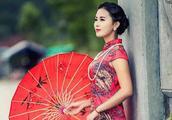 解析:为什么都说古代的旗袍是任何服装无法媲美的?下文给您答案