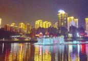 贵州黔西南的一颗璀璨明珠,夜景之美让人窒息,你知道是哪里吗?