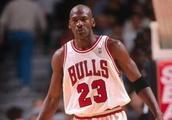 NBA历史上,在一个赛季同时获得常规赛和总决赛MVP的10位篮球巨星
