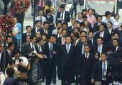 王健林马云出行排场对比 王健林不愧是首富 保镖都比别人多!