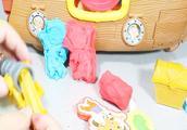少年杰克和梦幻岛海盗玩面团玩具