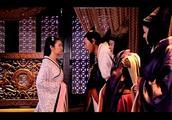 美人心计:皇上在宠幸美人时,谁注意到云汐为何在门口跳舞?
