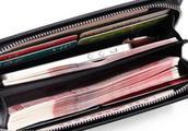 心理学:四个钱包,哪个里面能装最多的钱?测你的财运会不会上升