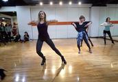 跳爵士舞穿多高的高跟鞋合适?