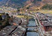 中国乡镇:一脚踏三省,中国最具潜力十大古镇之一—青木川古镇