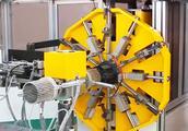 自动化机构怎么实现自动进料,挡料,卸料