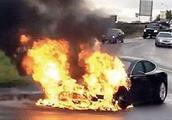 车主注意:车内这个小孔不能乱碰乱用,多辆汽车因它起火自燃!